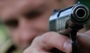 В Тюмени при задержании грабителя был ранен полицейский