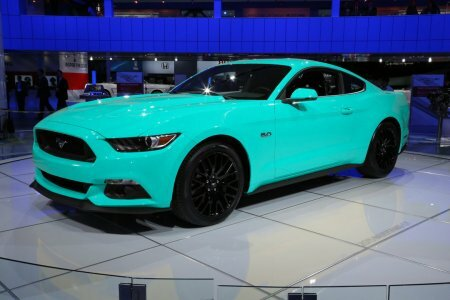 ����� Ford Mustang ��������� � ������������